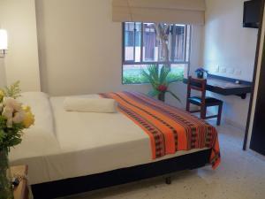 Casa Santa Mónica, Hotel  Cali - big - 32