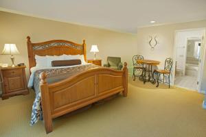 Deluxe Two-Bedroom Suite - Non-Smoking