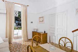 Villa Mariuccia Capri, Apartmanok  Capri - big - 44