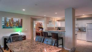 Discovery Bay Resort by kelownacondorentals, Apartments  Kelowna - big - 26
