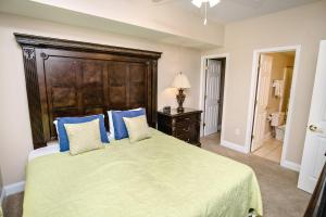 Six-Bedroom Apartment