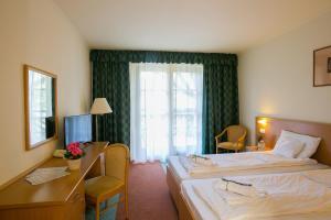 Zichy Park Hotel, Hotely  Bikács - big - 16