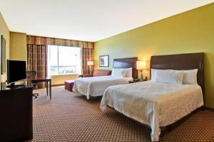 Deluxe Queen Evolution Room with Two Queen Beds