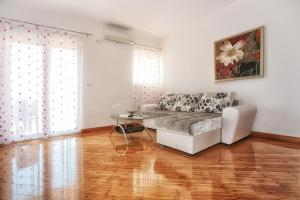Apartments Villa Happy, Apartments  Tivat - big - 36