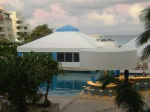 Beach Front Penthouse, Appartamenti  Cancún - big - 9