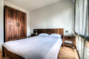 Zenitude Hôtel-Résidences l'Acacia Lourdes, Апарт-отели  Лурд - big - 8