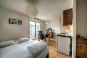 Zenitude Hôtel-Résidences l'Acacia Lourdes, Апарт-отели  Лурд - big - 3