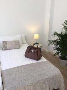 Ahro Suites, Апартаменты  Малага - big - 40