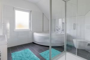 Private House Best Hain (5553), Holiday homes  Hannover - big - 19