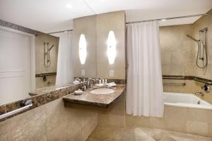 Deluxe Quadruple Room with Shower - Disability Access/Oceanview