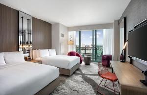 Deluxe Quadruple Room with Balcony - Intracoastal Way
