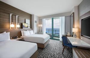 Deluxe Quadruple Room with Balcony - Oceanfront