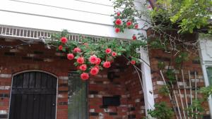 A Wildwood Rose Vacation Rental, Villas  Kelowna - big - 12