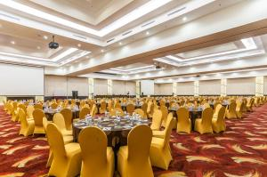 Grand Clarion Kendari, Hotely  Kendari - big - 47