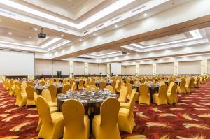 Grand Clarion Kendari, Hotels  Kendari - big - 47