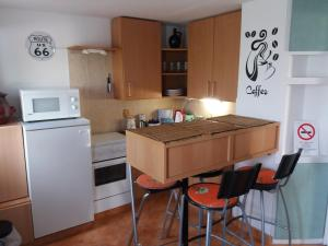 Small House Apartment, Affittacamere  Kerepes - big - 30