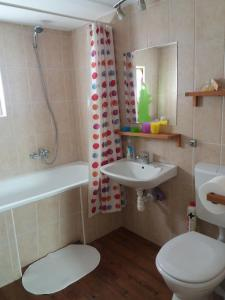 Small House Apartment, Affittacamere  Kerepes - big - 32