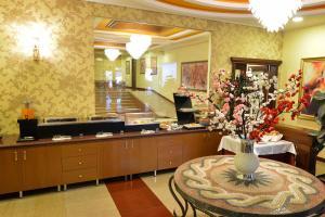 Hotel Austria, Hotel  Tirana - big - 16