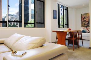 Honey Apartments