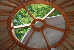 Almond Grove Yurt Hotel, Zelt-Lodges  Ábrahámhegy - big - 47