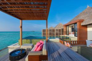 Four Seasons Resort Maldives at Kuda Huraa (24 of 44)