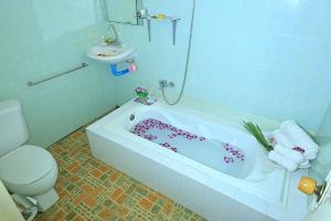 Sawasdee Hotel, Hotels  Mawlamyine - big - 9