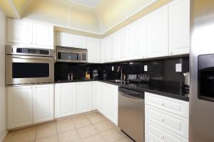 Apartamento en condominio de 1 dormitorio Ocean Reserve con vistas a la bahía