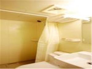 Home Inn Ji'nan South Gongye Road East Coach Station, Hotely  Jinan - big - 16