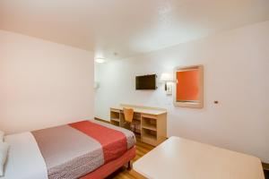 Standard Double Room with Roll-in Shower - Disability Access