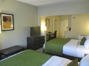 Queen Suite with Two Queen Beds with Sofa Bed - Non-Smoking
