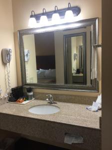 Americas Best Value Inn Saint Robert/Fort Leonard Wood, Hotels  Saint Robert - big - 10
