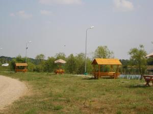 Casa Verde, Dovolenkové domy  Căldăruşani - big - 26