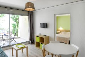 Résidence de Tourisme l'Albatros, Apartmány  Palavas-les-Flots - big - 19