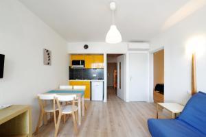 Résidence de Tourisme l'Albatros, Apartmány  Palavas-les-Flots - big - 18