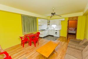 Seaside Hostel, Hostely  Batumi - big - 2
