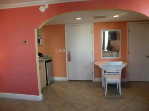 Pelican Pointe Hotel, Motely  Clearwater Beach - big - 4