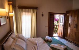 Courtyard, Hotels  Kalkan - big - 30