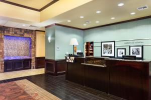 Hampton Inn & Suites Mission, Hotel  Mission - big - 12