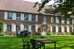 Chambres d'hôtes Manoir du Buquet, Bed & Breakfast  Honfleur - big - 1