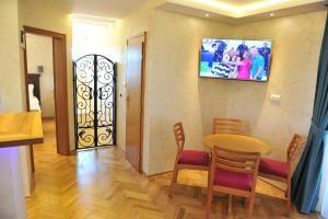 Villa Romantika, Apartmány  Zlatibor - big - 58