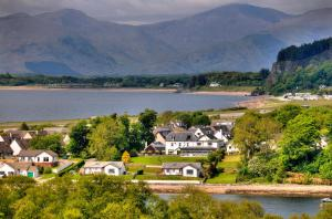 Lochnell Arms Hotel