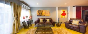Luxury Town House in the Heart of the Old City, Ferienhäuser  Chiang Mai - big - 4