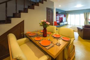 Luxury Town House in the Heart of the Old City, Ferienhäuser  Chiang Mai - big - 8