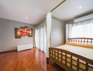 Luxury Town House in the Heart of the Old City, Ferienhäuser  Chiang Mai - big - 12