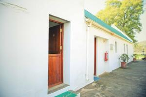 Wilgewandel Holiday Farm & Day Restaurant, Bed & Breakfasts  Oudtshoorn - big - 51