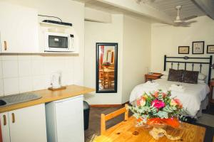Wilgewandel Holiday Farm & Day Restaurant, Bed & Breakfasts  Oudtshoorn - big - 32