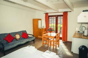 Wilgewandel Holiday Farm & Day Restaurant, Bed & Breakfasts  Oudtshoorn - big - 33
