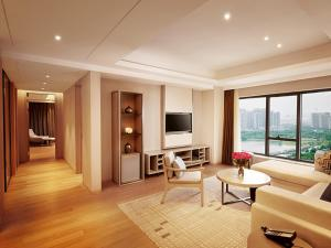 King Three Bedroom Suite