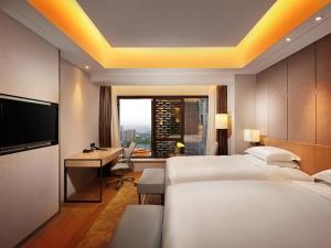 Deluxe King Two Bedroom Suite