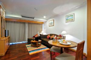 Executive Suite One-Bedroom with Balcony
